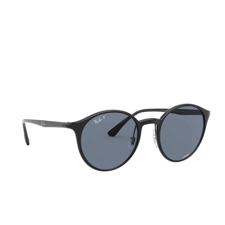 Ray-Ban® Round Sunglasses: RB4336CH color Black 601/BA.