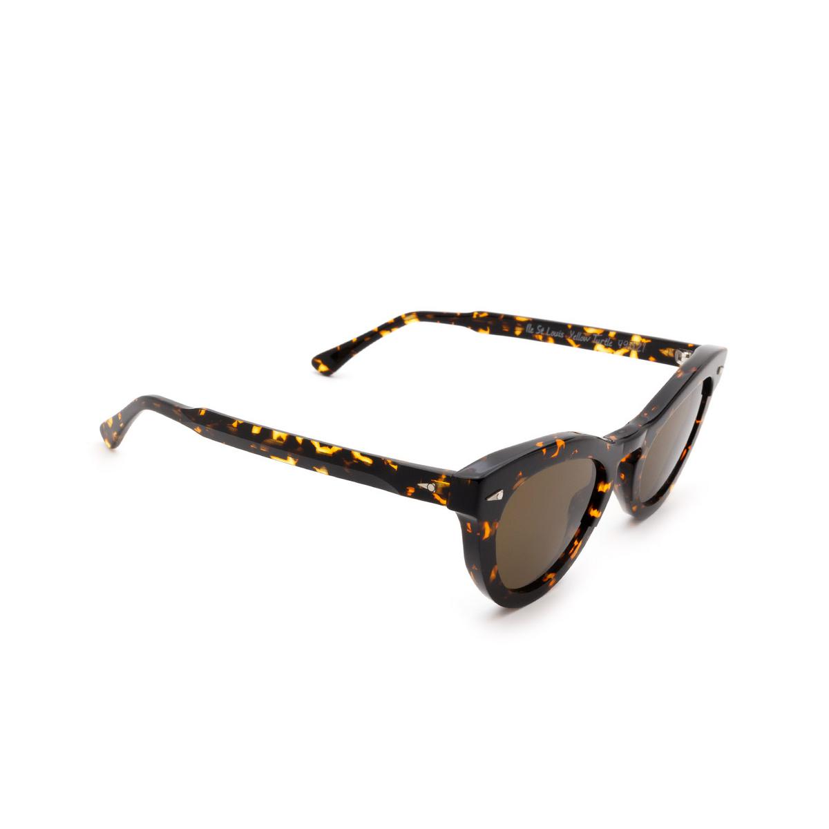 Ahlem® Cat-eye Sunglasses: Ile St Louis color Yellow Turtle.