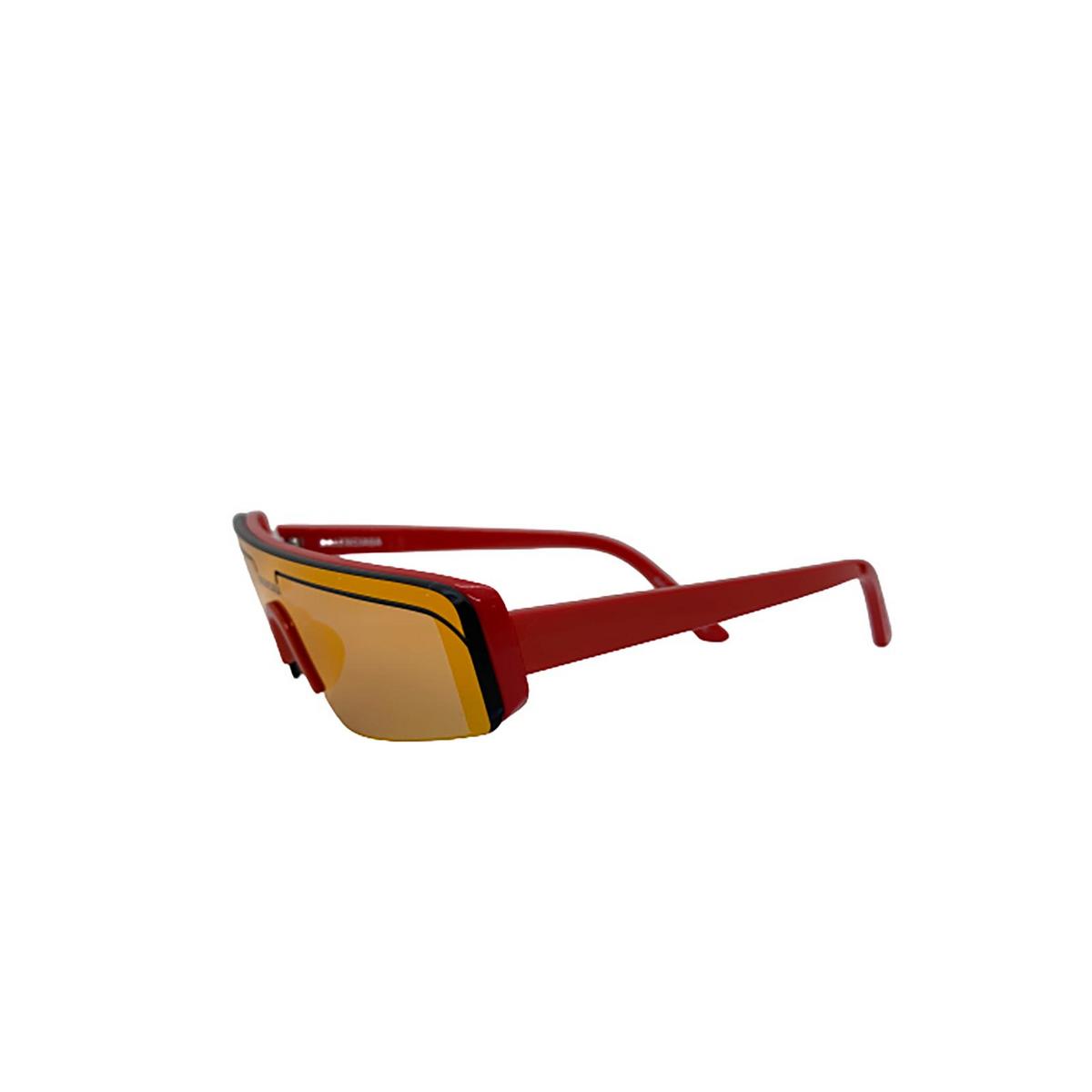 Balenciaga® Mask Sunglasses: BB0003S color Red 004 - three-quarters view.