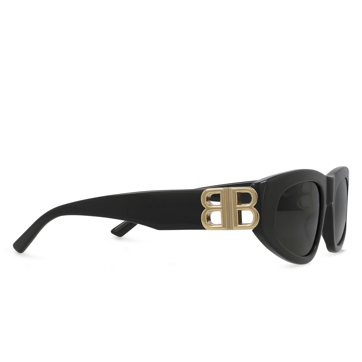 Balenciaga® Oval Sunglasses: BB0095S color Black 001 - three-quarters view.