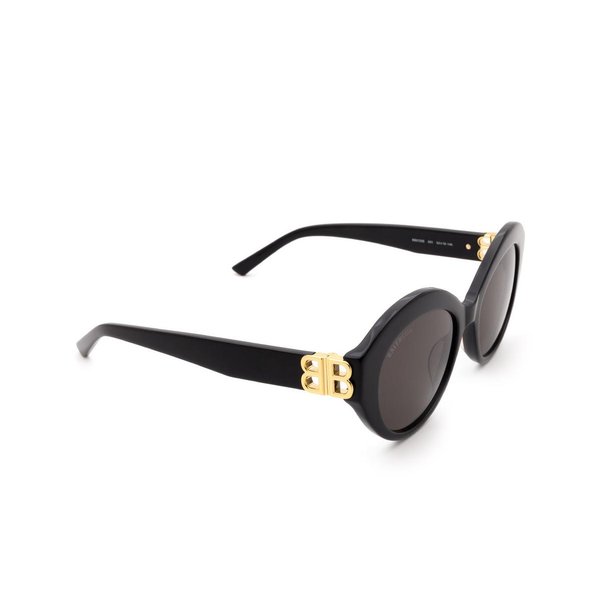 Balenciaga® Oval Sunglasses: BB0133S color Black 001 - three-quarters view.