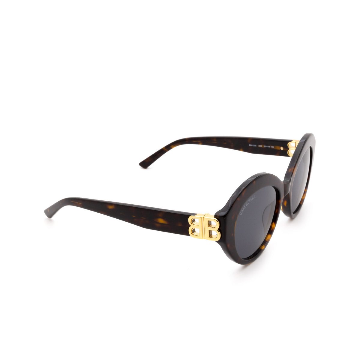 Balenciaga® Oval Sunglasses: BB0133S color Havana 002 - three-quarters view.