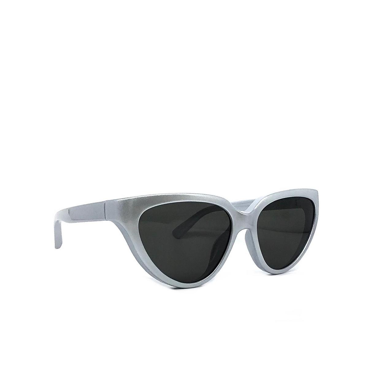 Balenciaga® Cat-eye Sunglasses: BB0149S color Silver 003 - three-quarters view.