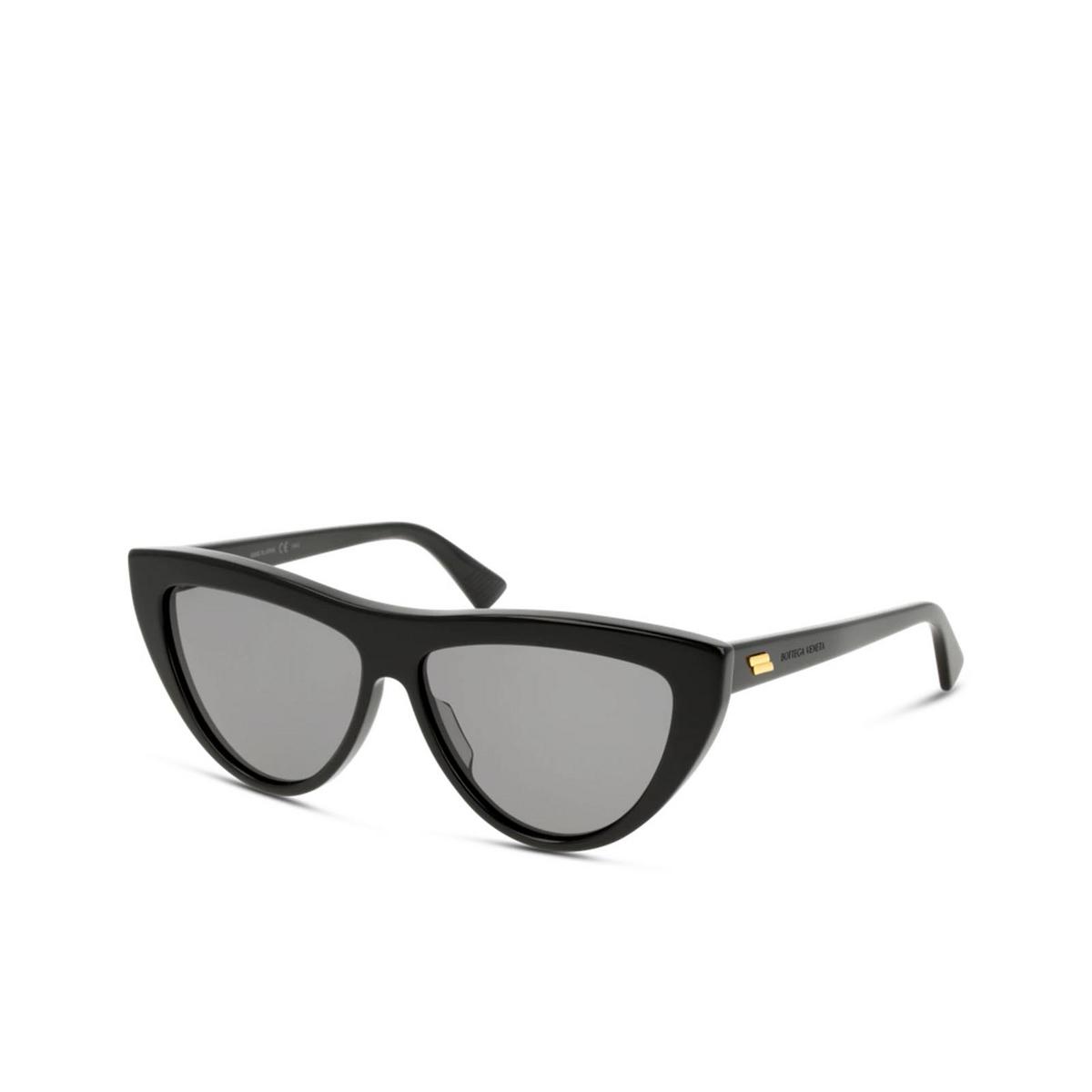 Bottega Veneta® Cat-eye Sunglasses: BV1018S color Black 001 - three-quarters view.