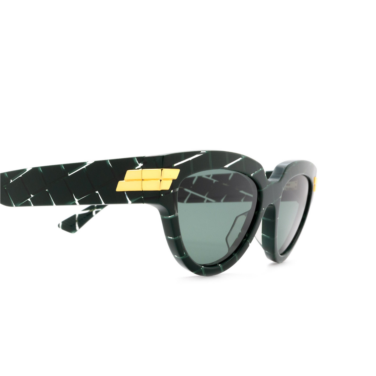 Bottega Veneta® Cat-eye Sunglasses: BV1035S color Green 004 - 3/3.