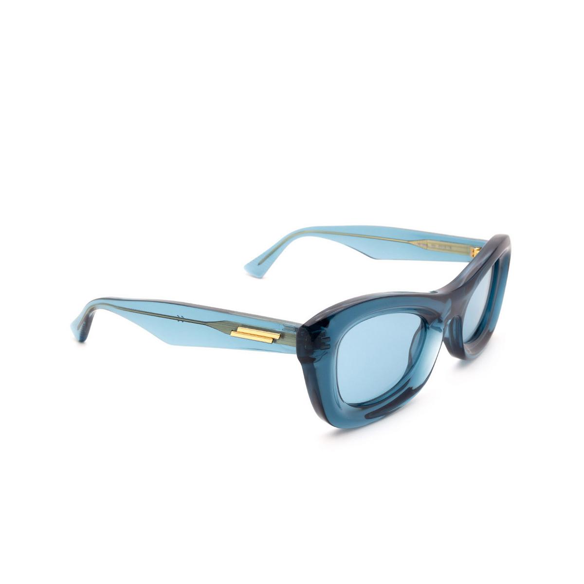 Bottega Veneta® Rectangle Sunglasses: BV1088S color Blue 001 - three-quarters view.