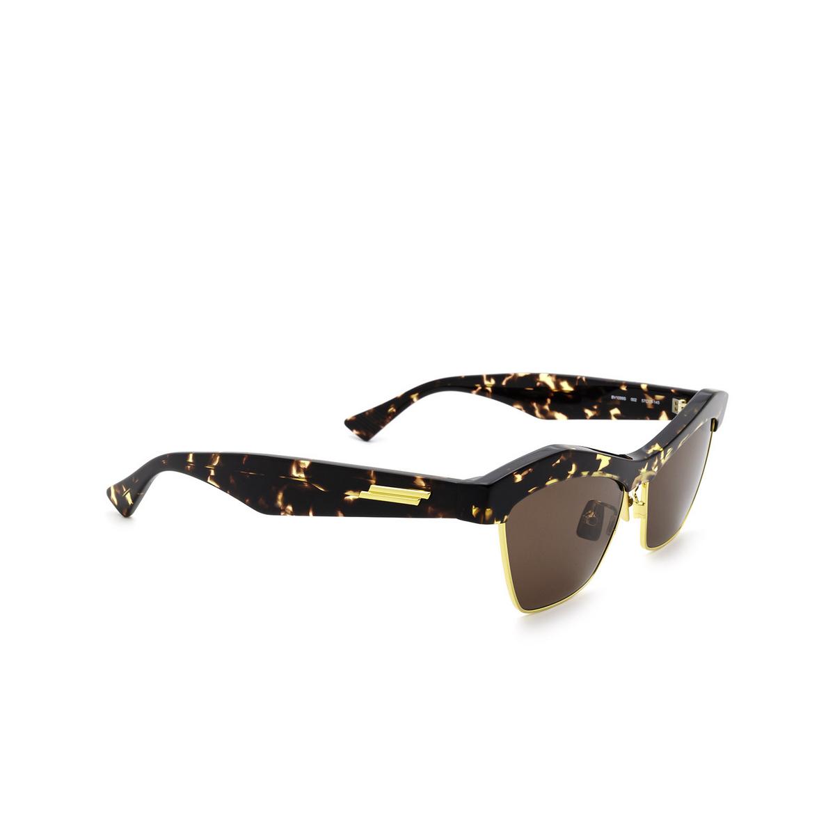 Bottega Veneta® Irregular Sunglasses: BV1099S color Havana 002 - three-quarters view.