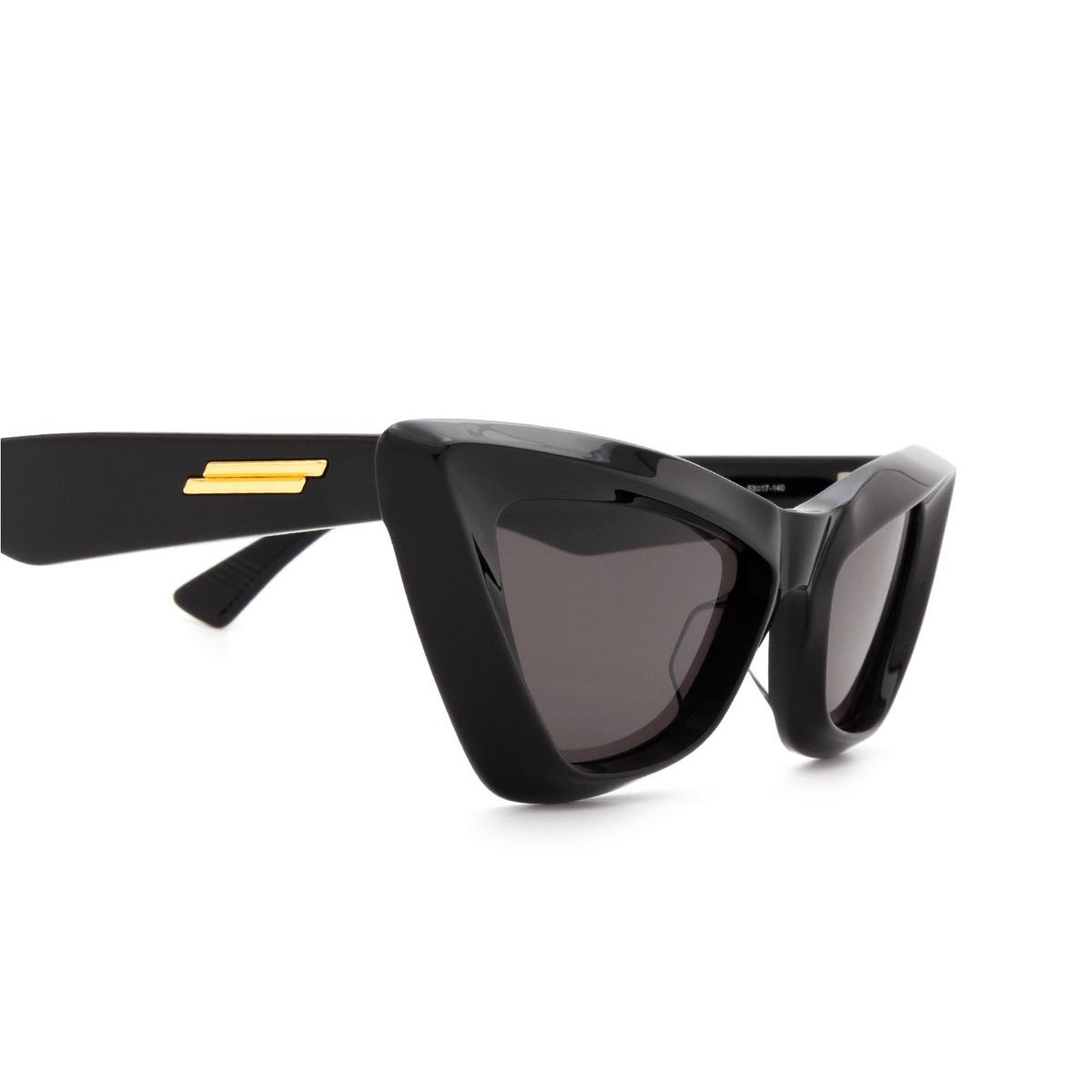 Bottega Veneta® Cat-eye Sunglasses: BV1101S color Black 001 - 3/3.