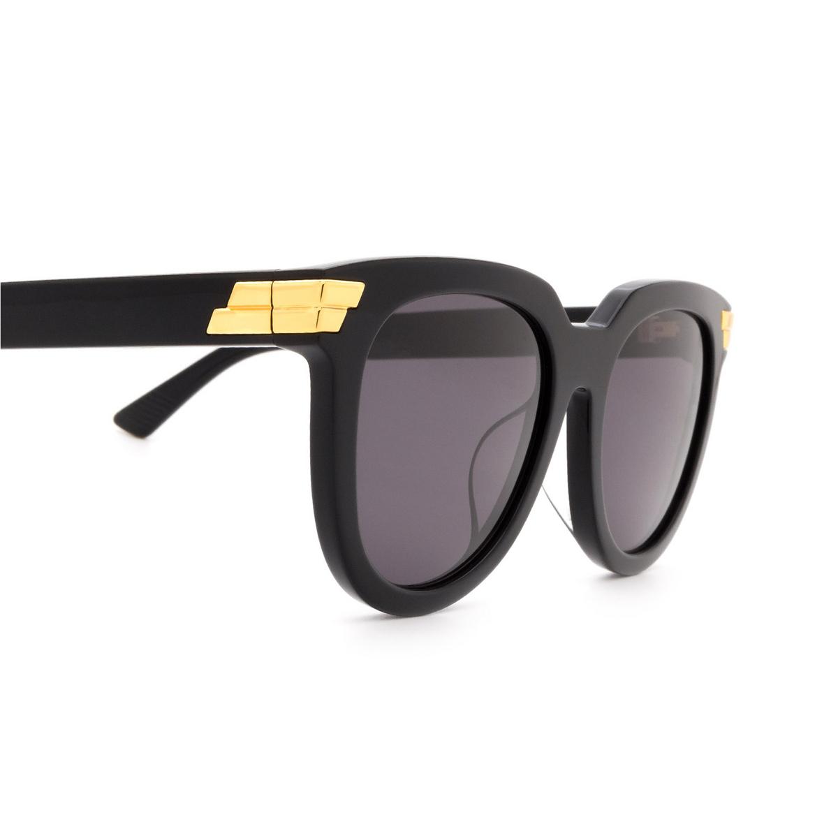 Bottega Veneta® Round Sunglasses: BV1104SA color Black 001 - 3/3.