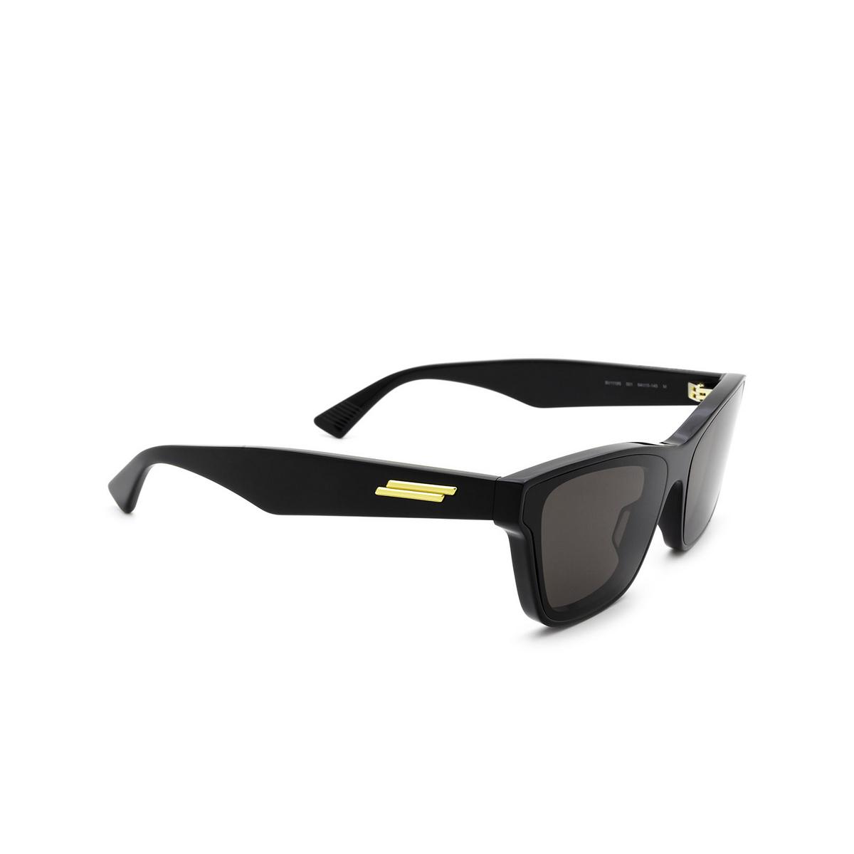 Bottega Veneta® Cat-eye Sunglasses: BV1119S color Black 001 - three-quarters view.