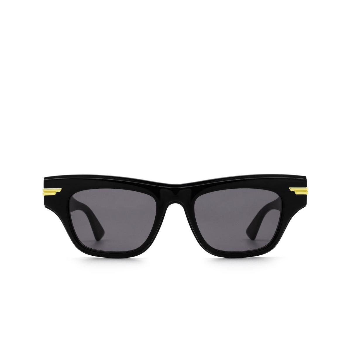 Bottega Veneta® Cat-eye Sunglasses: BV1122S color Black 001 - front view.