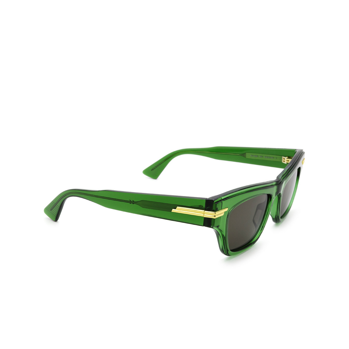 Bottega Veneta® Cat-eye Sunglasses: BV1122S color Green 004 - three-quarters view.