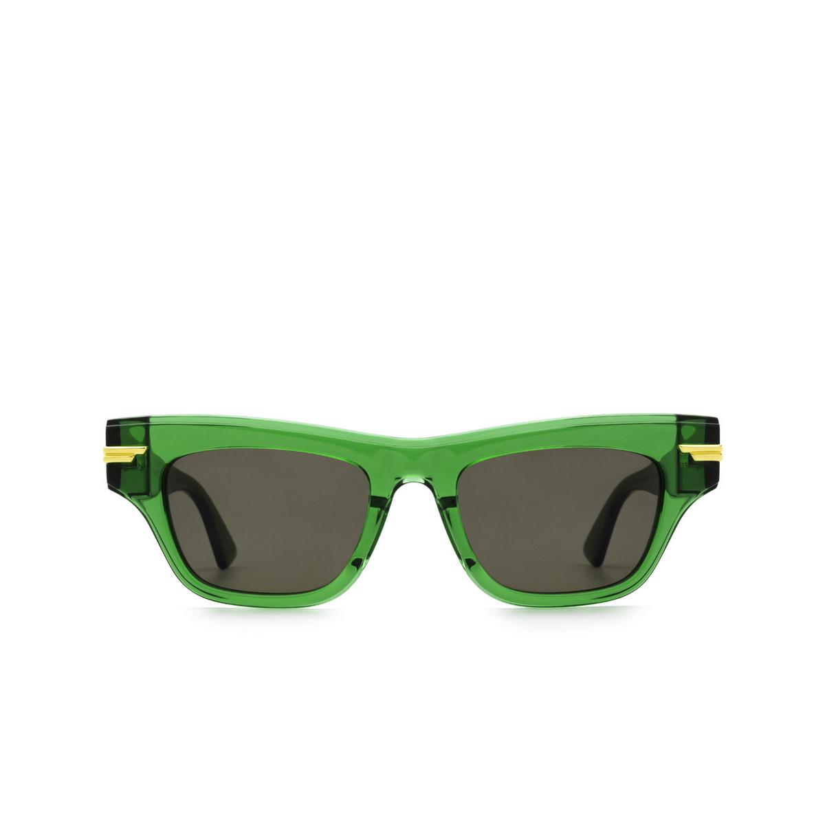 Bottega Veneta® Cat-eye Sunglasses: BV1122S color Green 004 - front view.