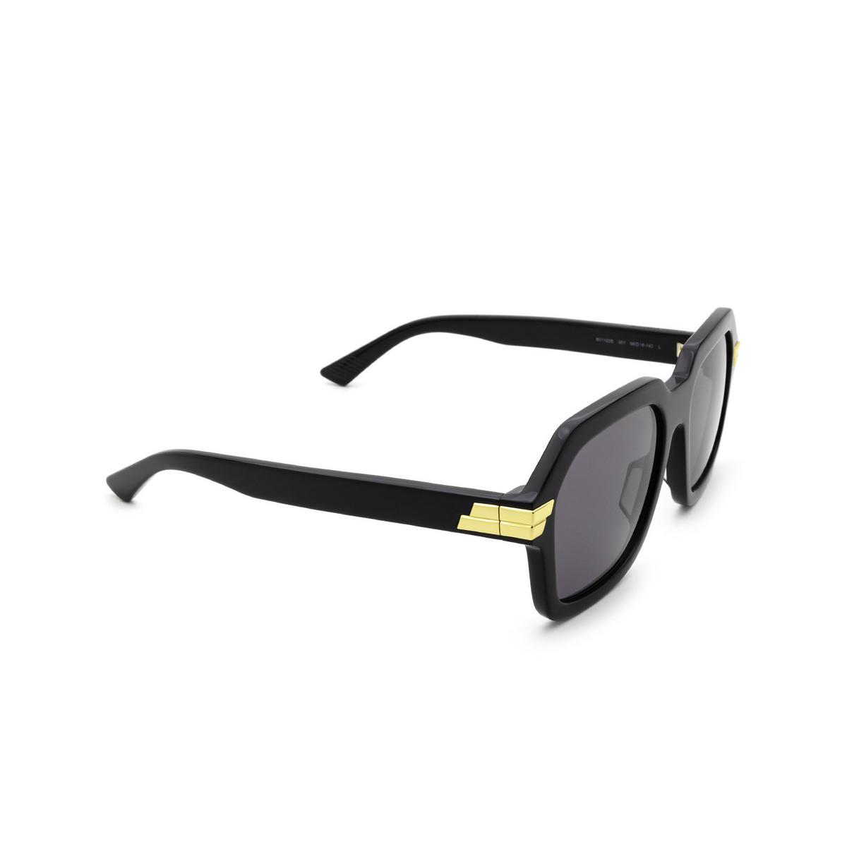 Bottega Veneta® Square Sunglasses: BV1123S color Black 001 - three-quarters view.