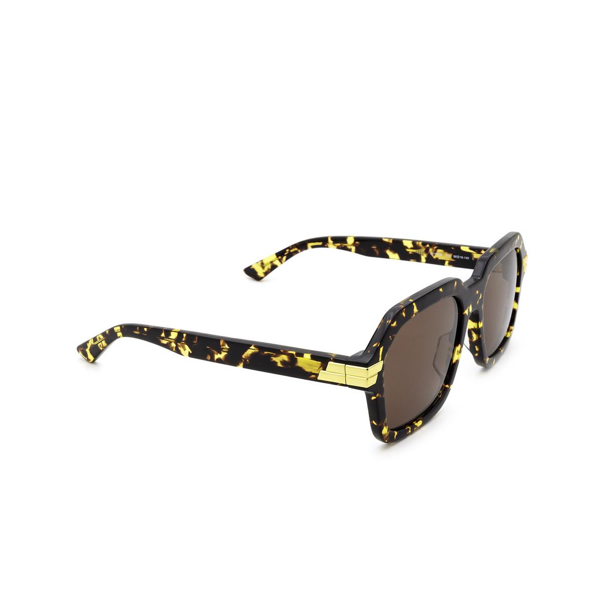 Bottega Veneta® Square Sunglasses: BV1123S color Havana 002 - three-quarters view.