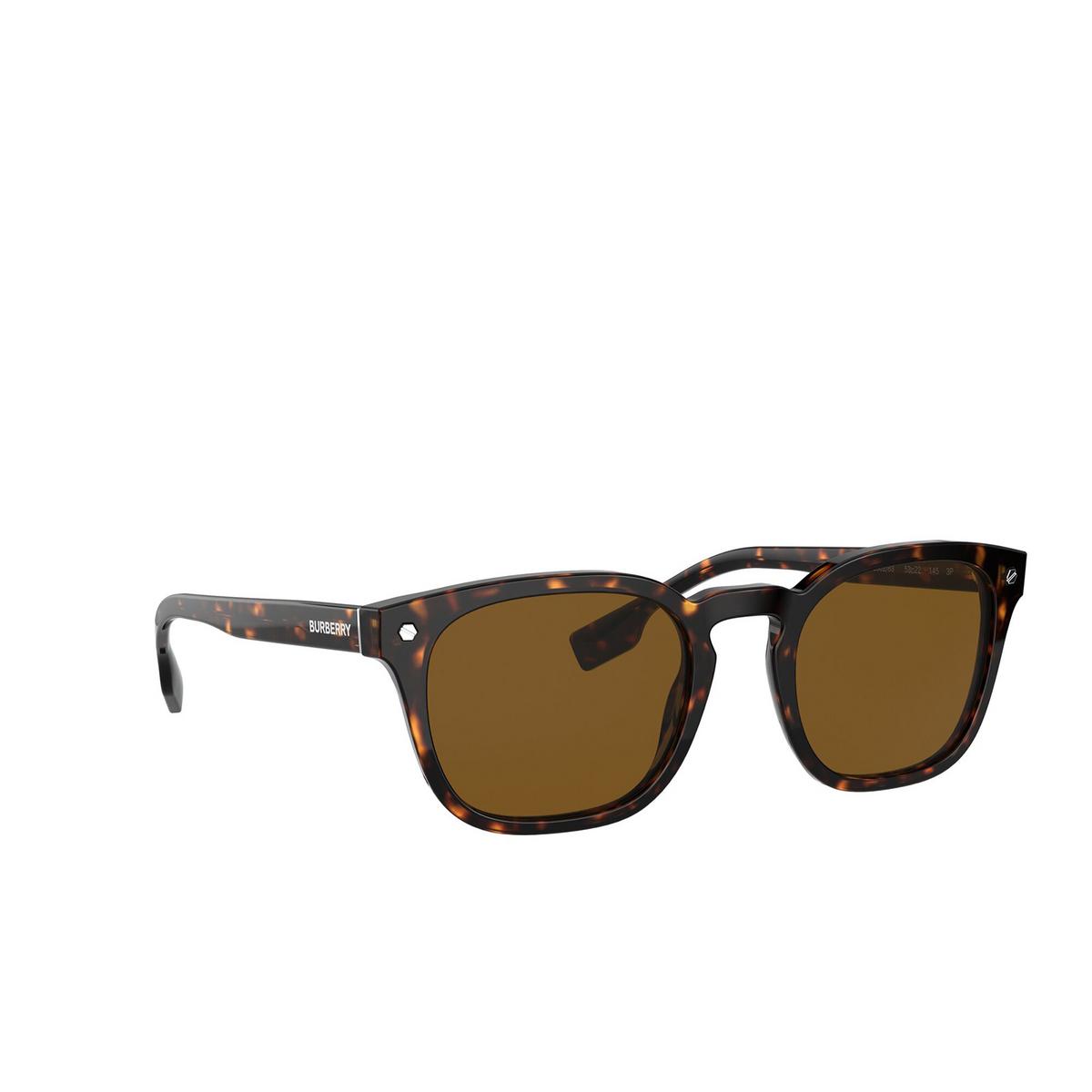 Burberry® Square Sunglasses: Ellis BE4329 color Dark Havana 300283 - three-quarters view.