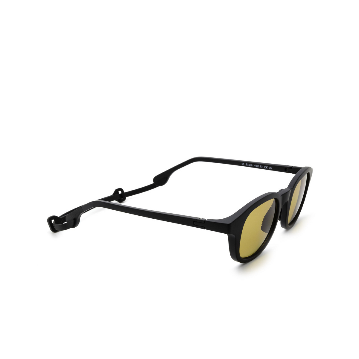 Chimi® Square Sunglasses: 01 ACTIVE color Black - three-quarters view.
