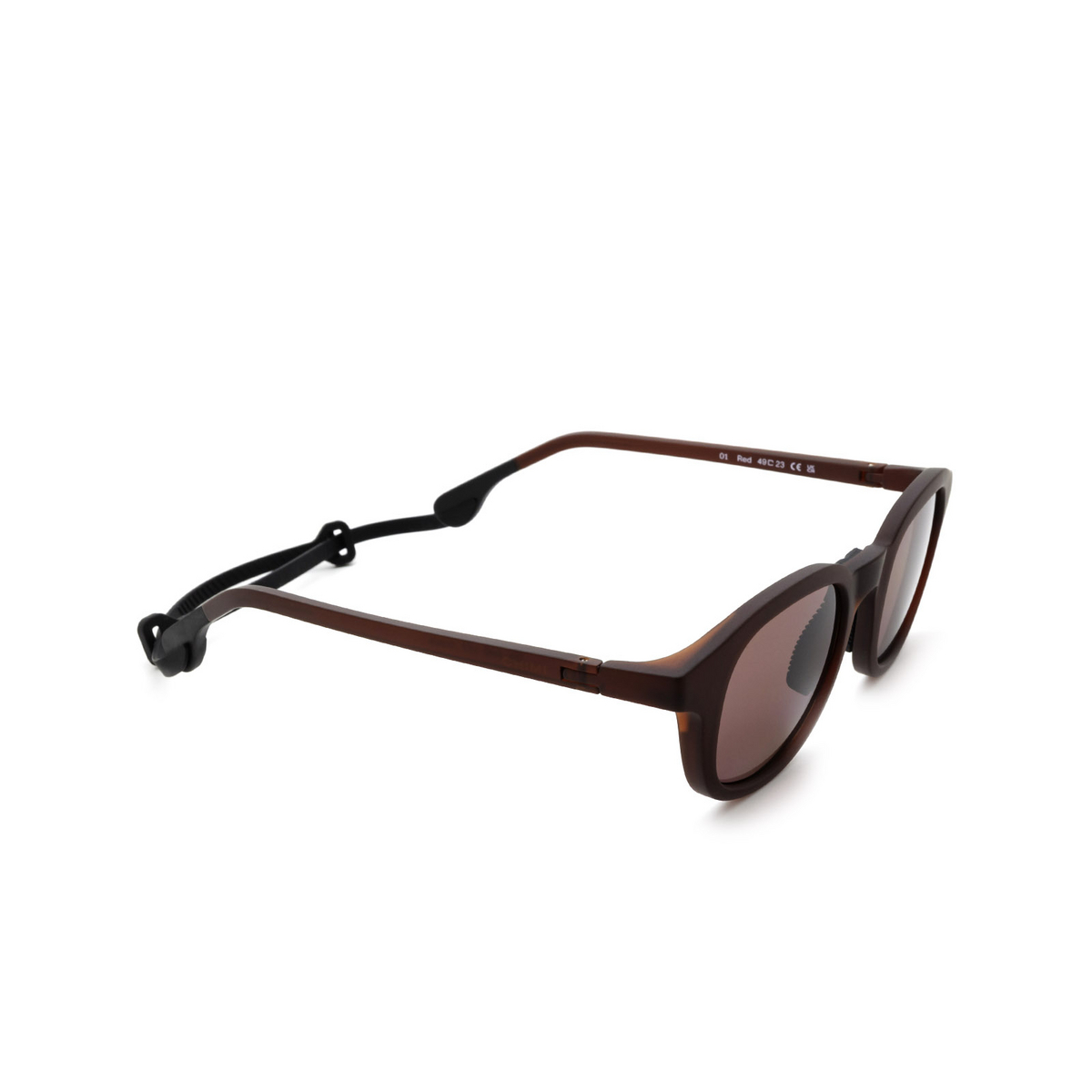 Chimi® Square Sunglasses: 01 ACTIVE color Red - three-quarters view.
