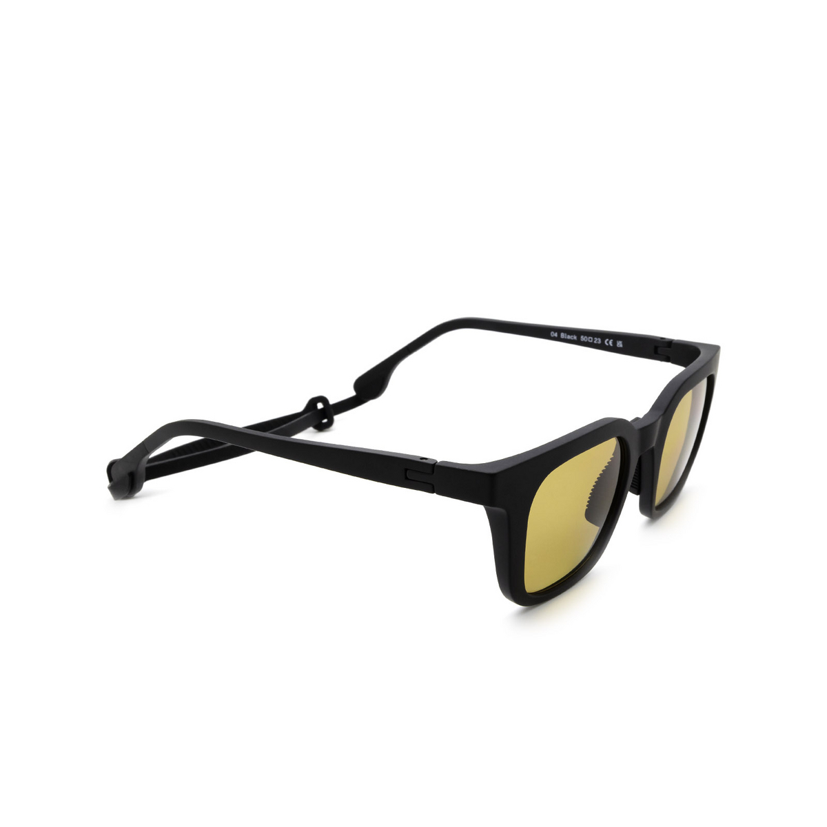 Chimi® Square Sunglasses: 04 ACTIVE color Black - three-quarters view.
