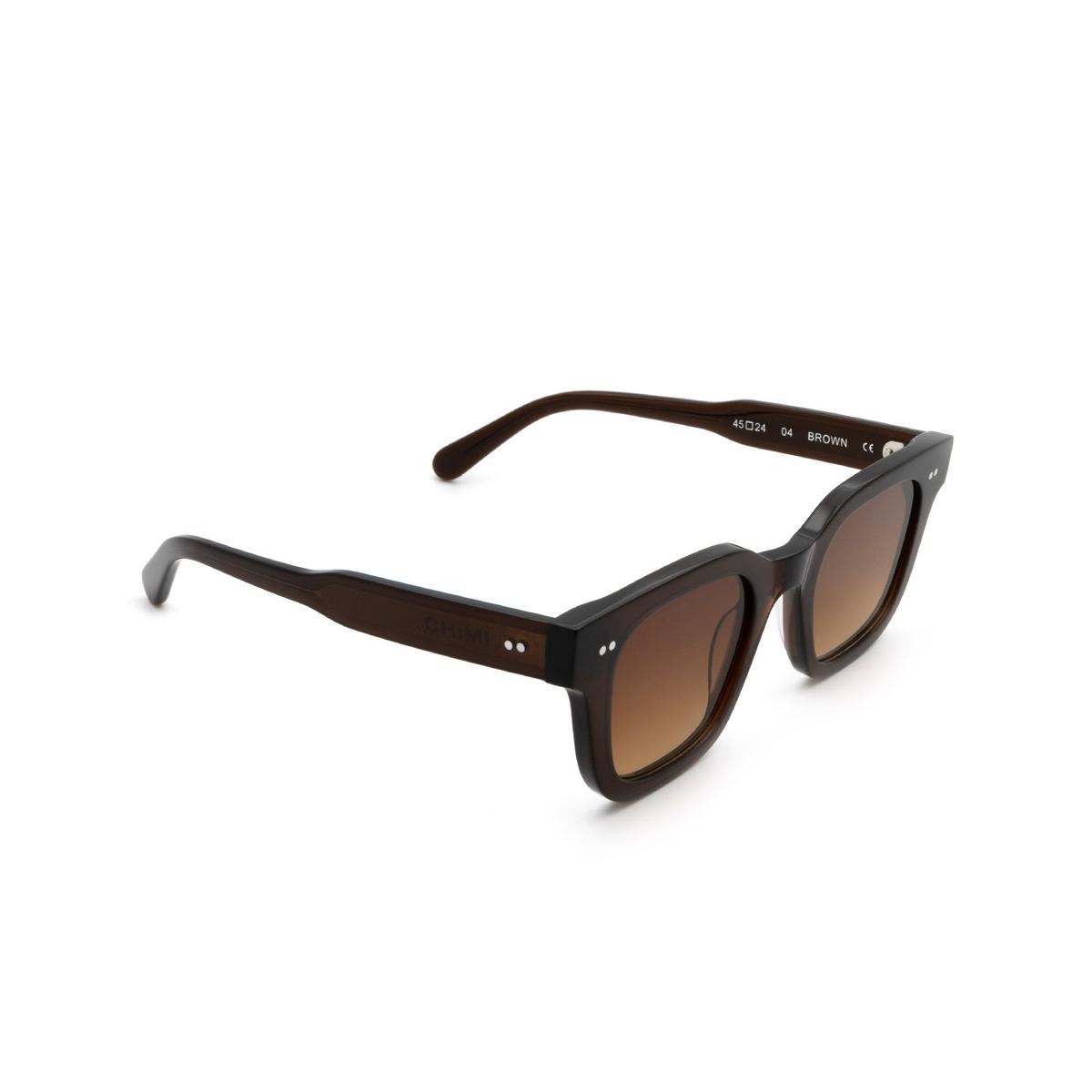 Chimi® Square Sunglasses: 04 color Brown - three-quarters view.