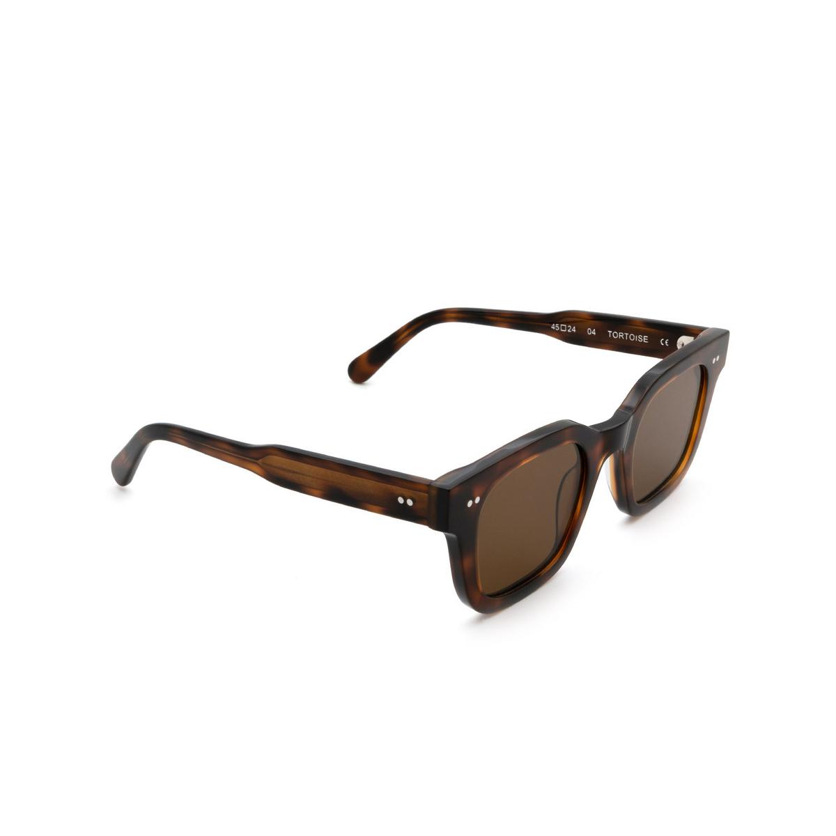Chimi® Square Sunglasses: 04 color Tortoise - three-quarters view.