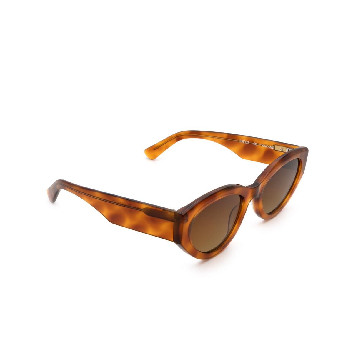 Chimi® Cat-eye Sunglasses: 06 color Havana - three-quarters view.