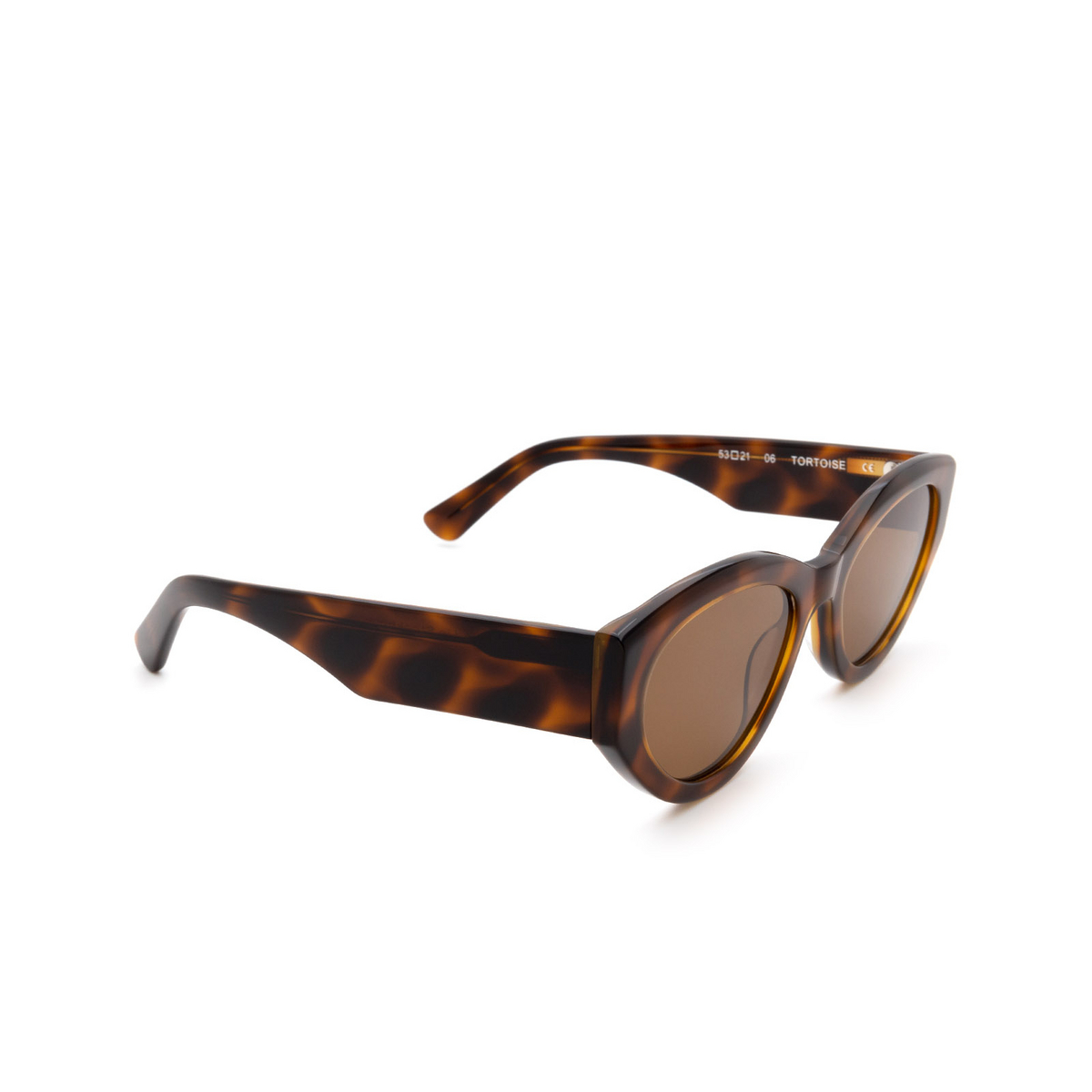 Chimi® Cat-eye Sunglasses: 06 color Tortoise - three-quarters view.