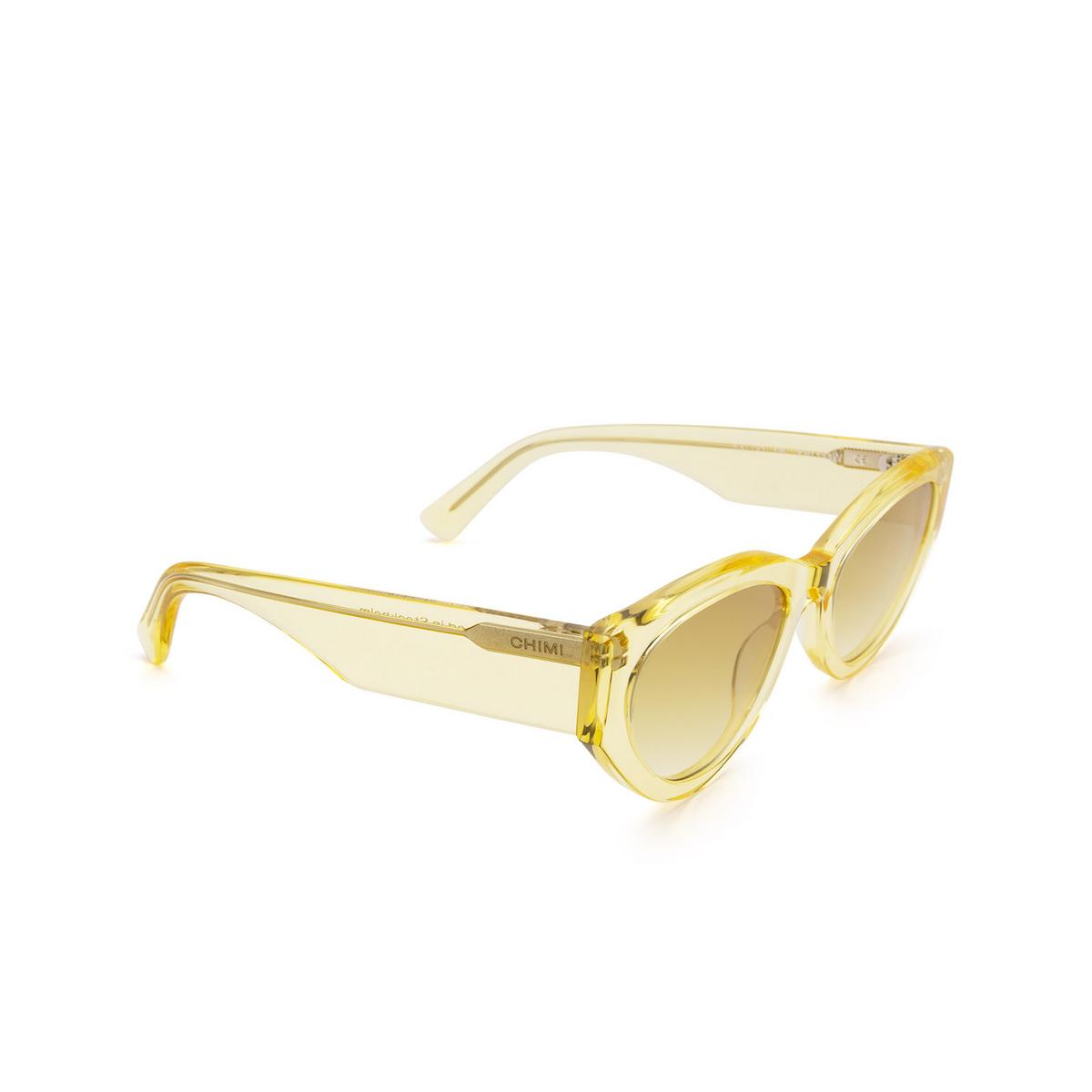 Chimi® Cat-eye Sunglasses: 06 color Yellow - three-quarters view.