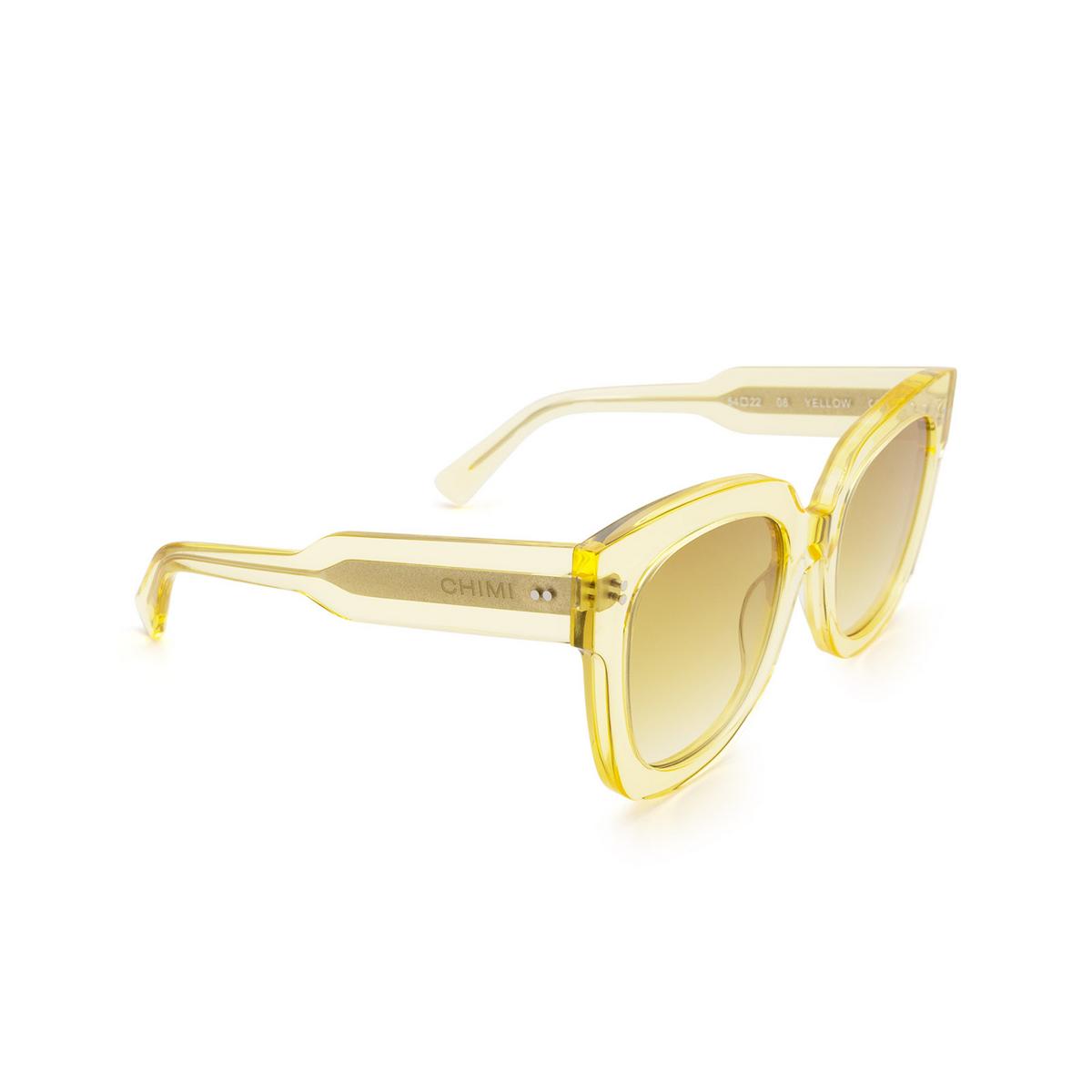 Chimi® Square Sunglasses: 08 color Yellow - three-quarters view.