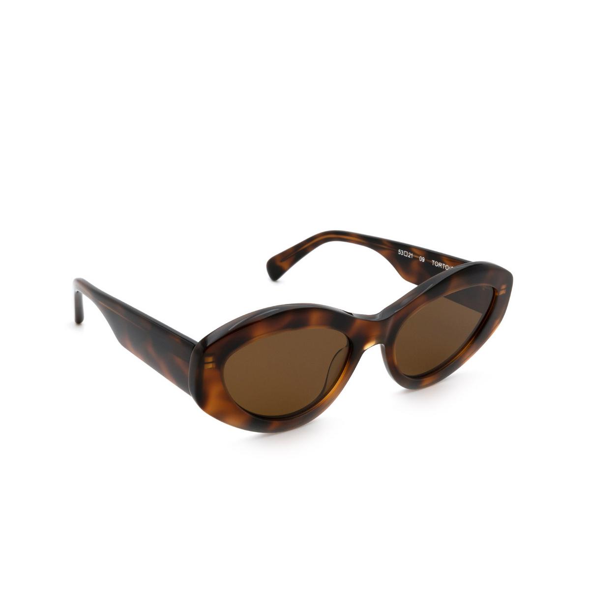 Chimi® Cat-eye Sunglasses: 09 color Tortoise - three-quarters view.