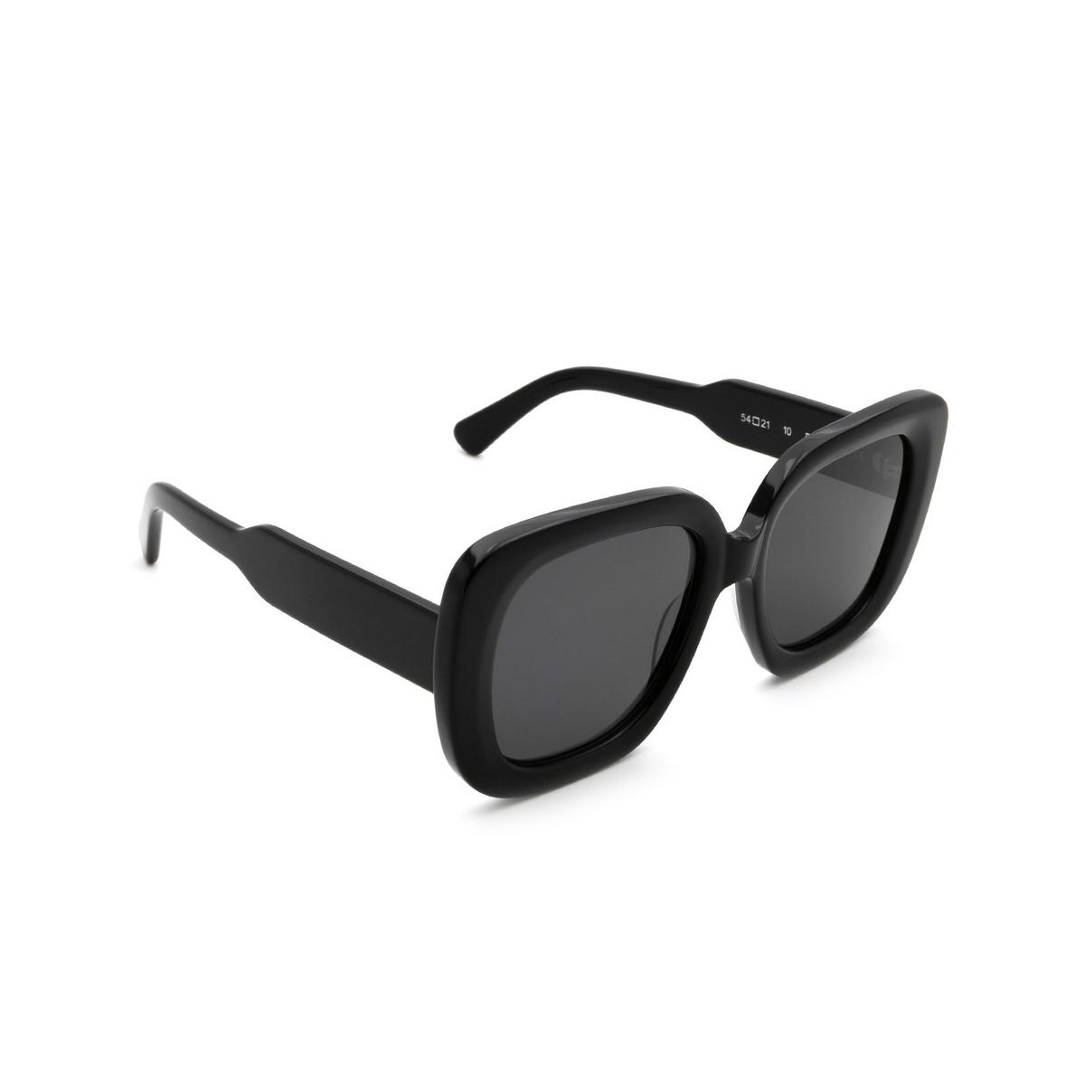 Chimi® Square Sunglasses: 10 color Black - three-quarters view.