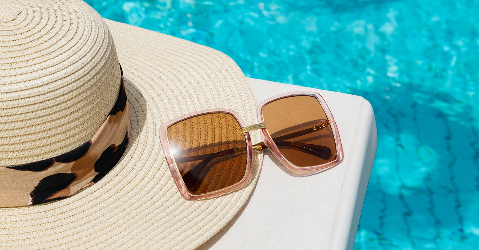 Summer Edit: At the Poolside