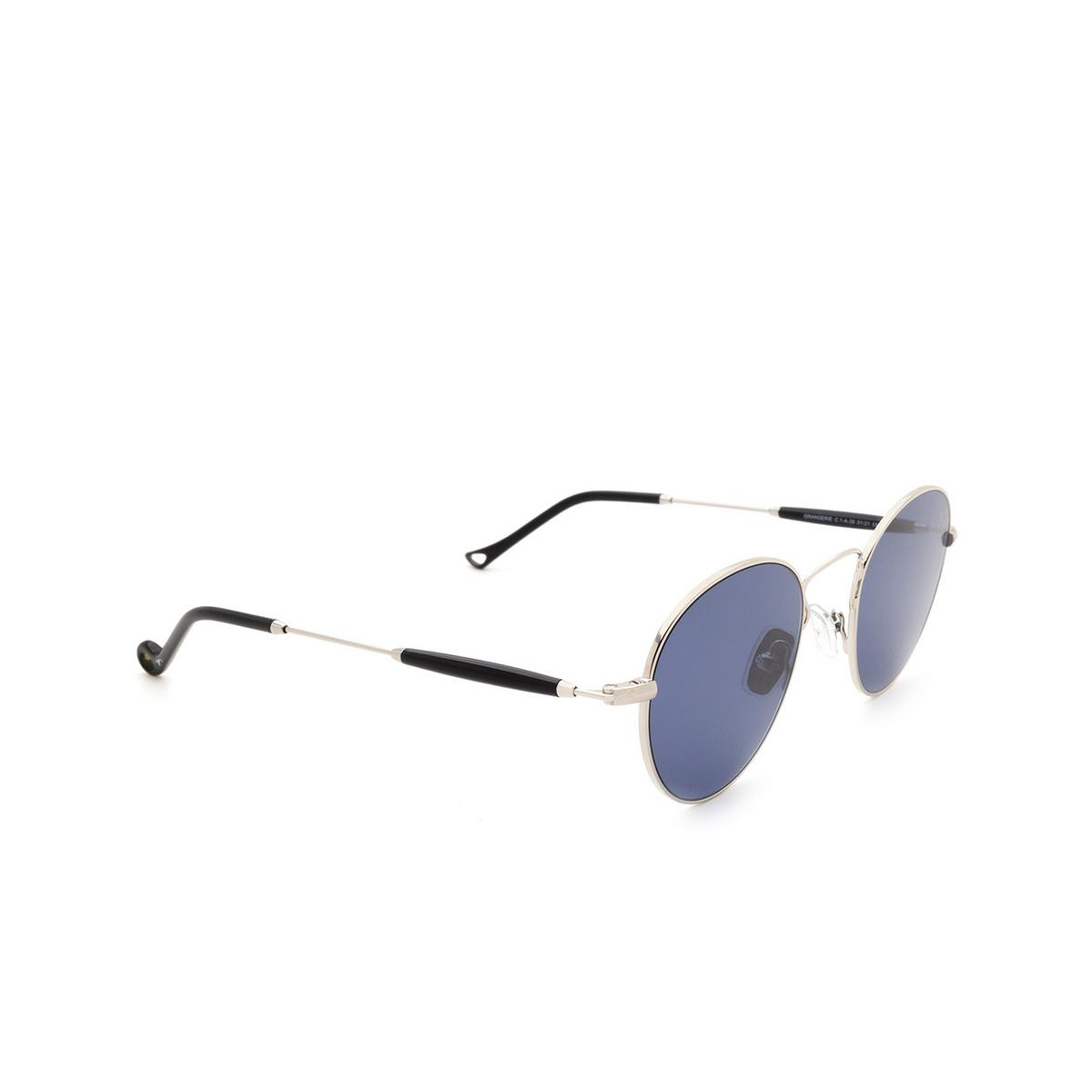 Eyepetizer® Round Sunglasses: Orangerie color Silver C.1-A-39 - three-quarters view.