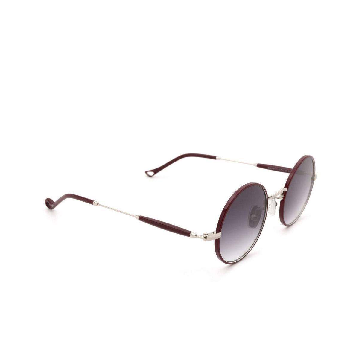 Eyepetizer® Round Sunglasses: Quatre color Bordeaux C.1-C-P-27 - three-quarters view.