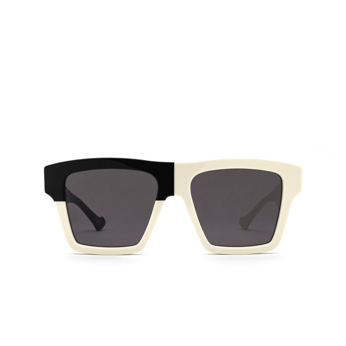 Gucci® Rectangle Sunglasses: GG0962S color White 007 - front view.