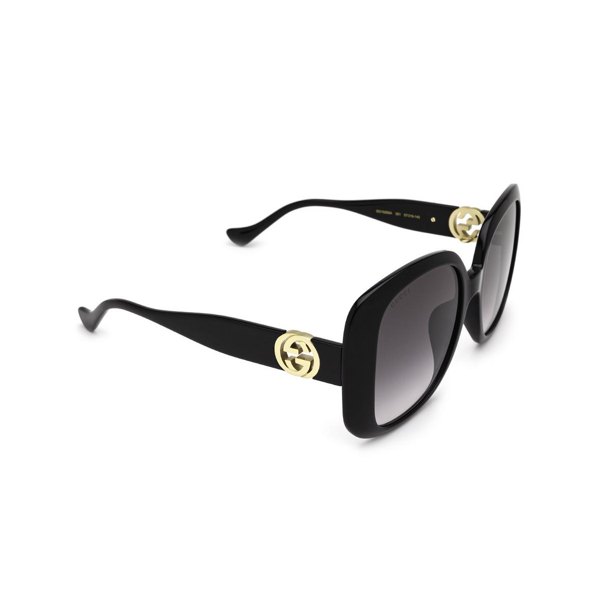 Gucci® Square Sunglasses: GG1029SA color Black 001 - three-quarters view.