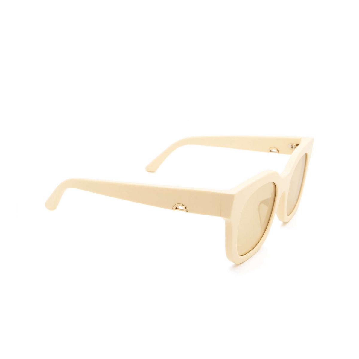 Huma® Square Sunglasses: Blue color Ivory 07 - three-quarters view.