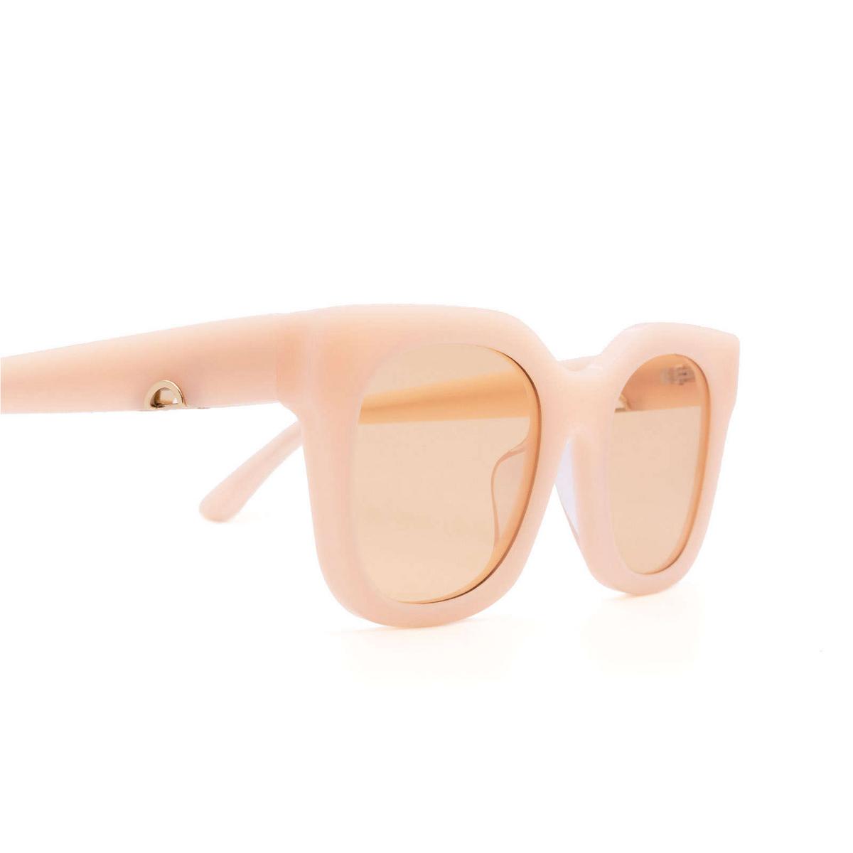Huma® Square Sunglasses: Blue color Pink 11 - three-quarters view.
