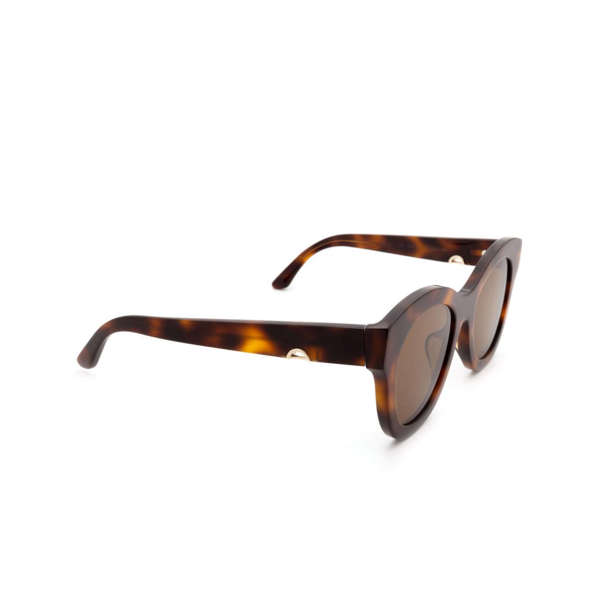 Huma® Butterfly Sunglasses: Cami color Havana 00 - three-quarters view.