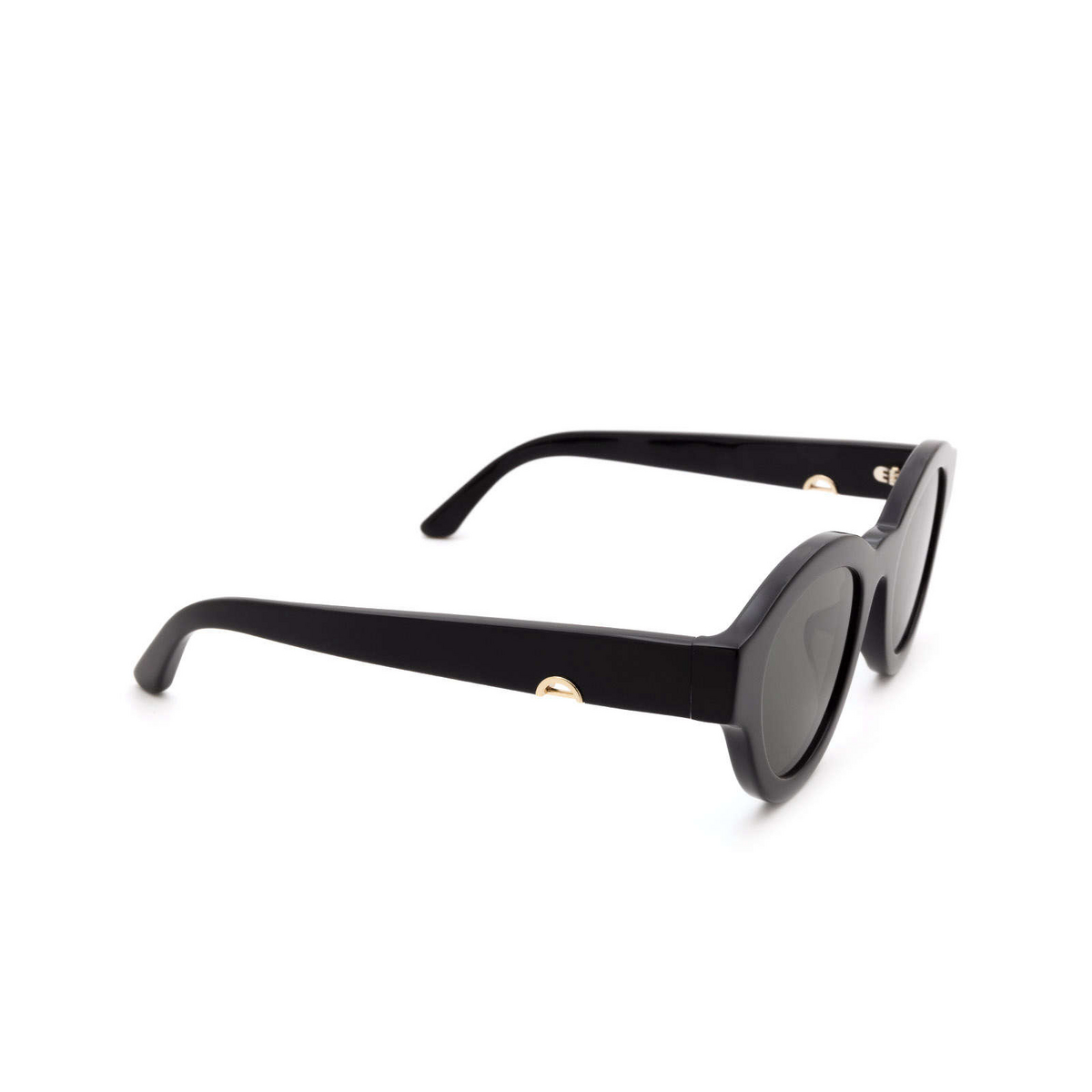 Huma® Cat-eye Sunglasses: Dug color Black 06 - three-quarters view.