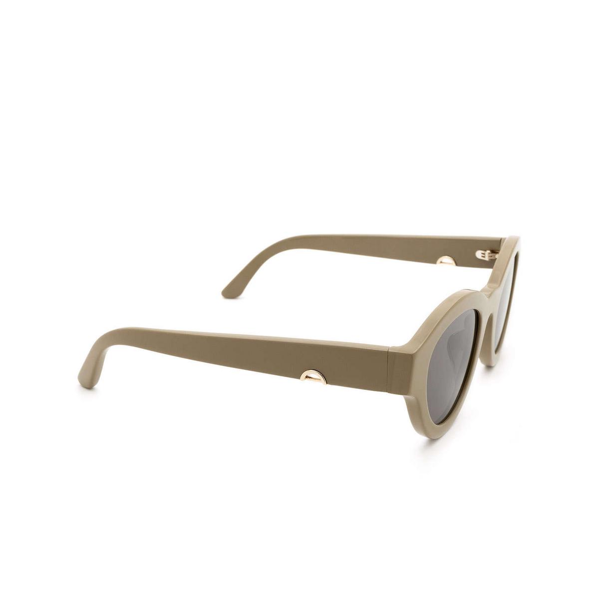 Huma® Cat-eye Sunglasses: Dug color Military 09 - three-quarters view.