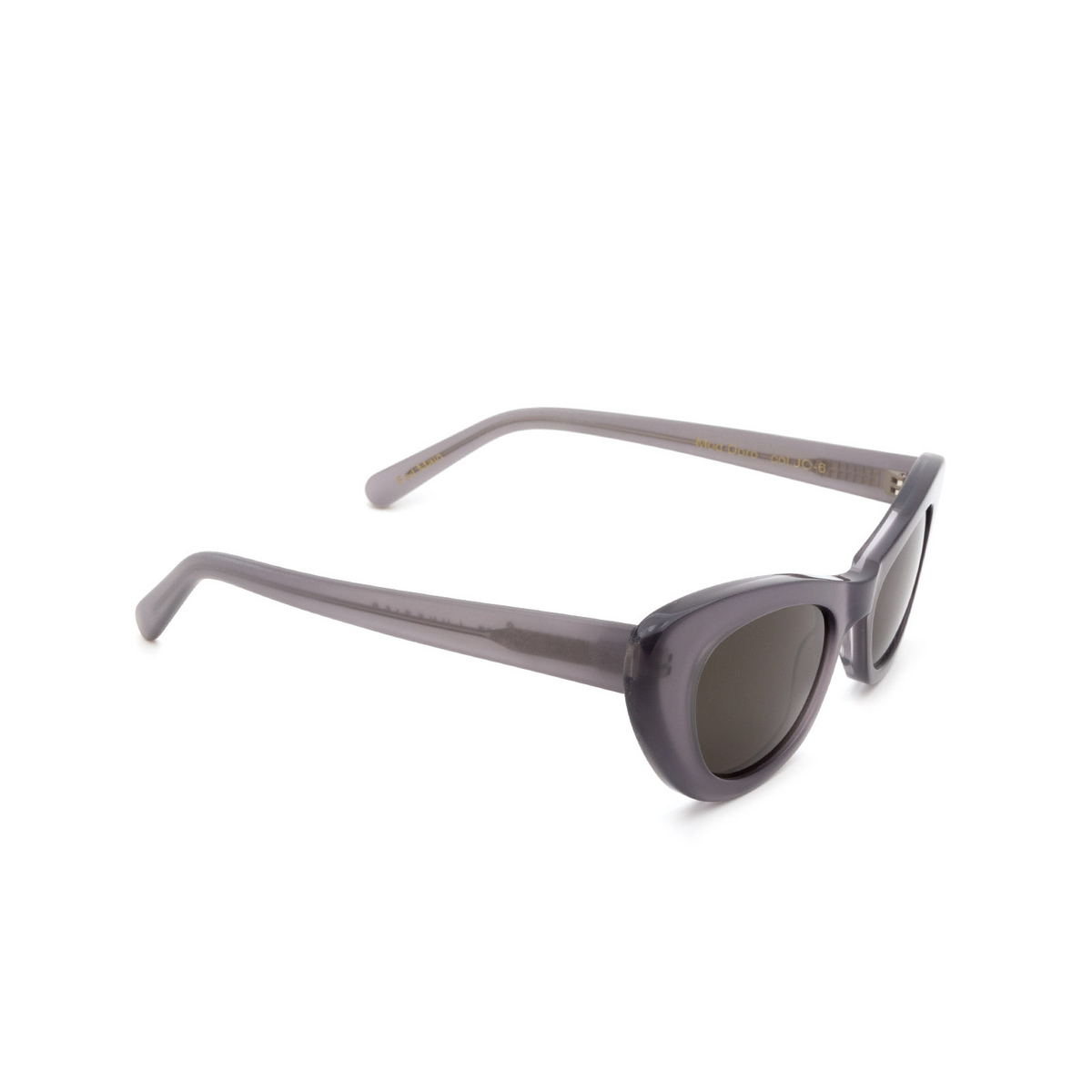 Lesca® Cat-eye Sunglasses: Doro color Gris JO-6 - three-quarters view.