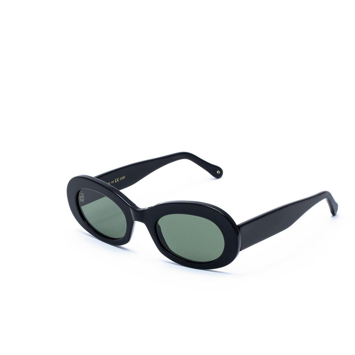 L.G.R® Oval Sunglasses: Dalia color Black 01 - three-quarters view.