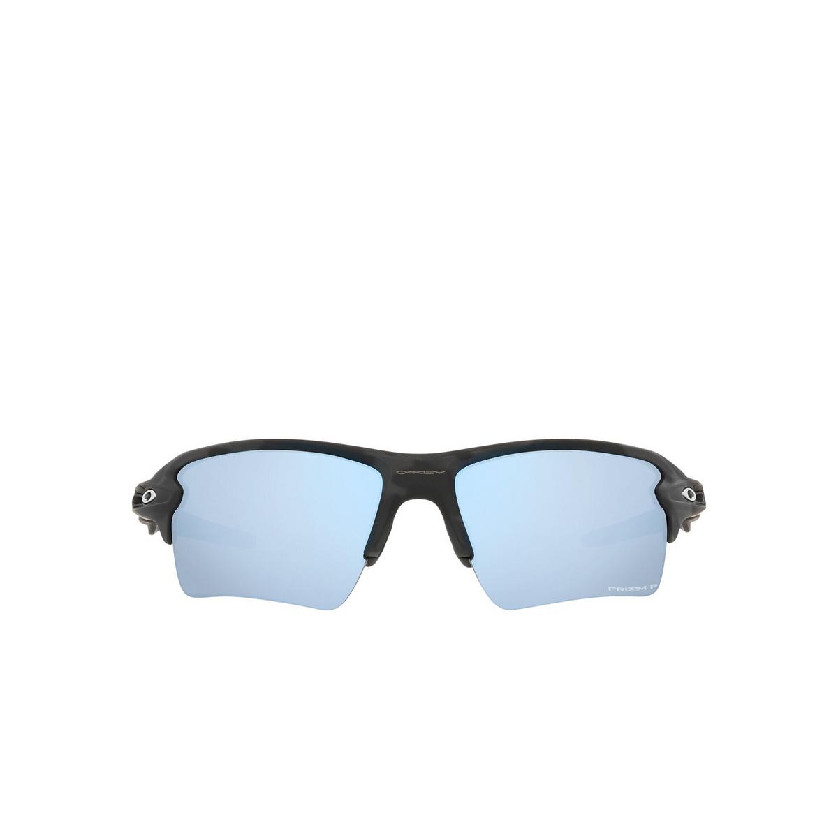 Oakley® Rectangle Sunglasses: Flak 2.0 Xl OO9188 color Matte Black Camo 9188G3 - front view.
