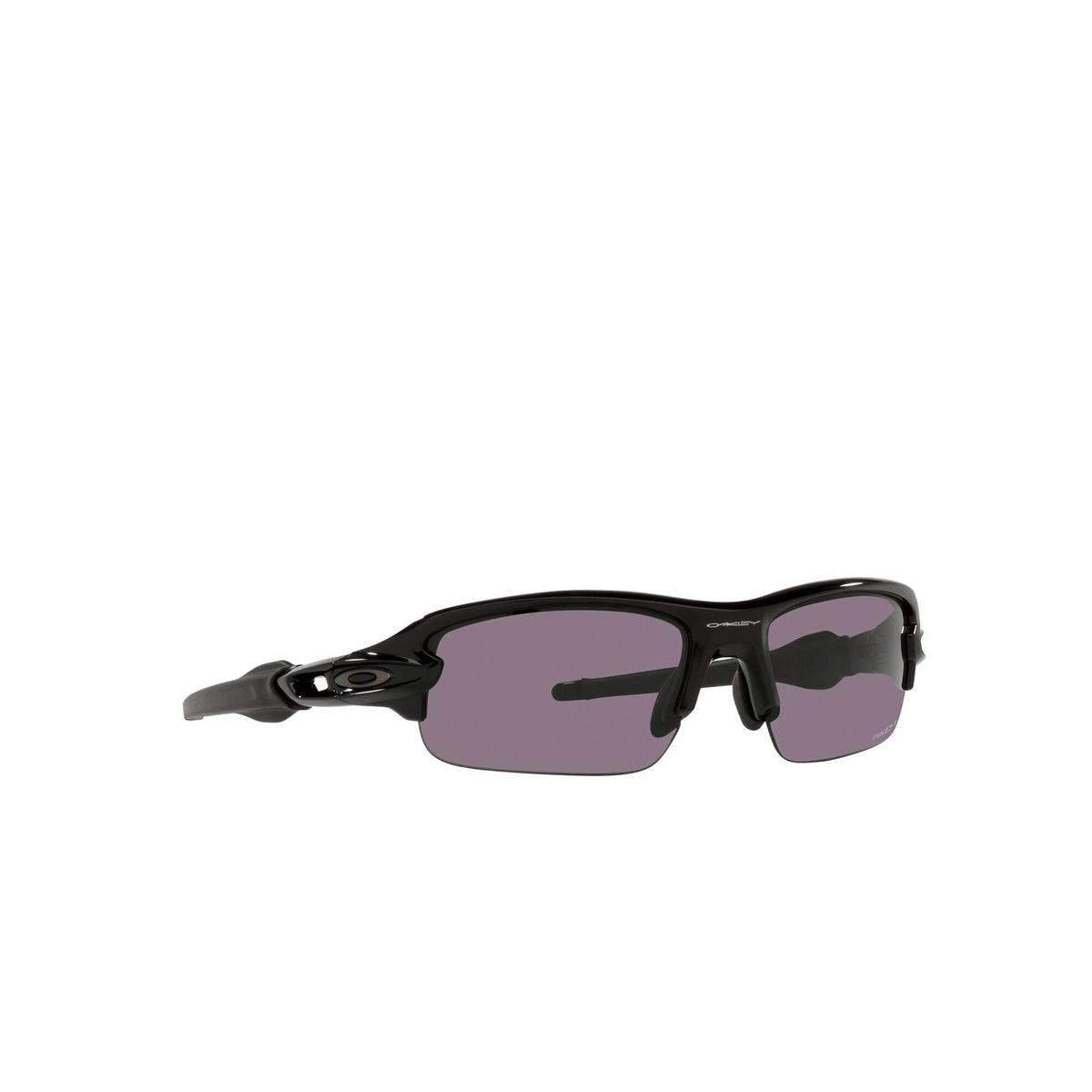 Oakley® Rectangle Sunglasses: Flak Xxs OJ9008 color Polished Black 900801 - three-quarters view.