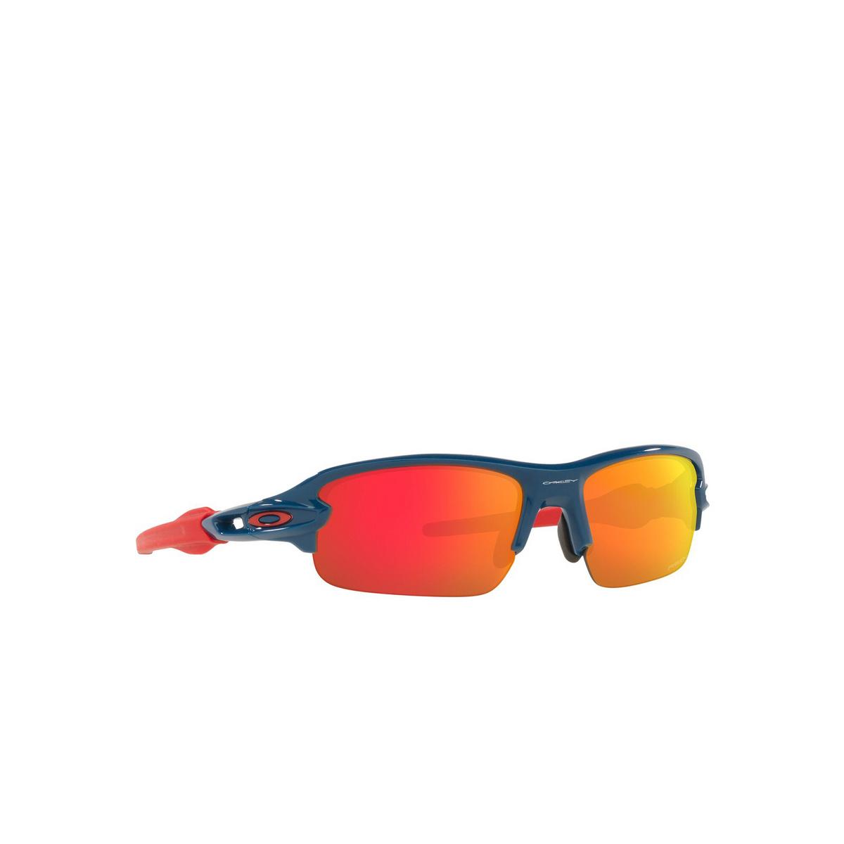 Oakley® Rectangle Sunglasses: Flak Xxs OJ9008 color Poseidon 900803 - three-quarters view.