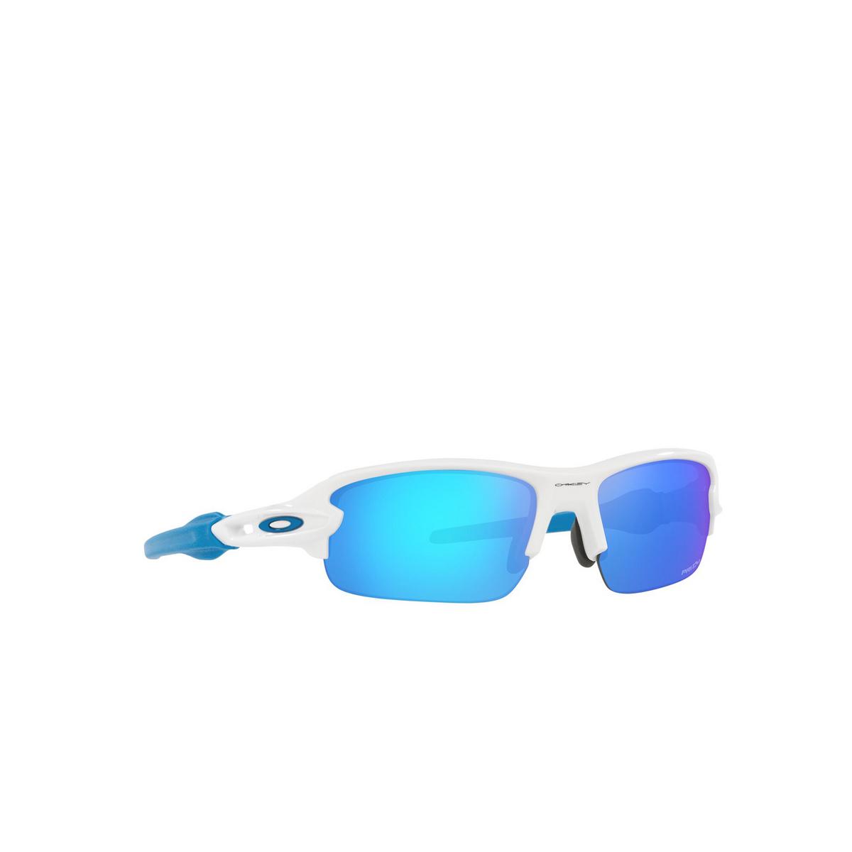 Oakley® Rectangle Sunglasses: Flak Xxs OJ9008 color Polished White 900806 - three-quarters view.