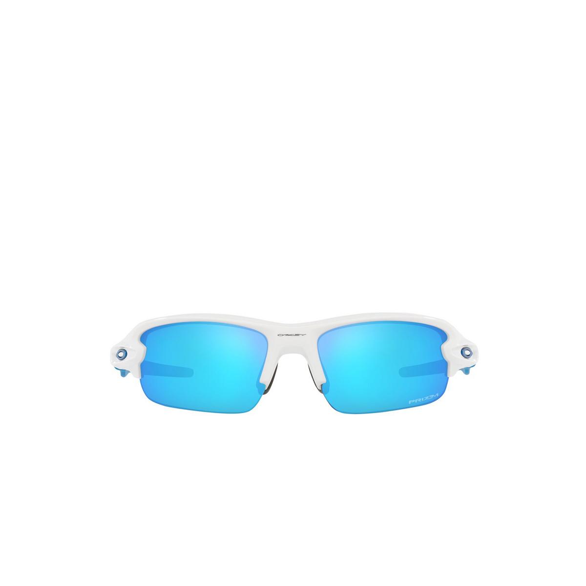 Oakley® Rectangle Sunglasses: Flak Xxs OJ9008 color Polished White 900806 - front view.