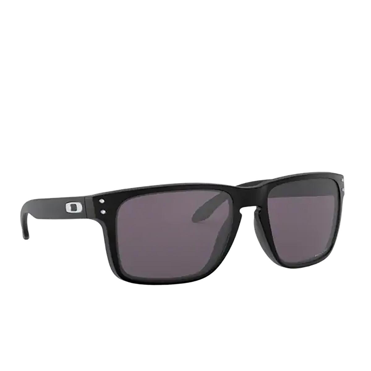 Oakley® Square Sunglasses: Holbrook Xl OO9417 color Matte Black 941722 - three-quarters view.