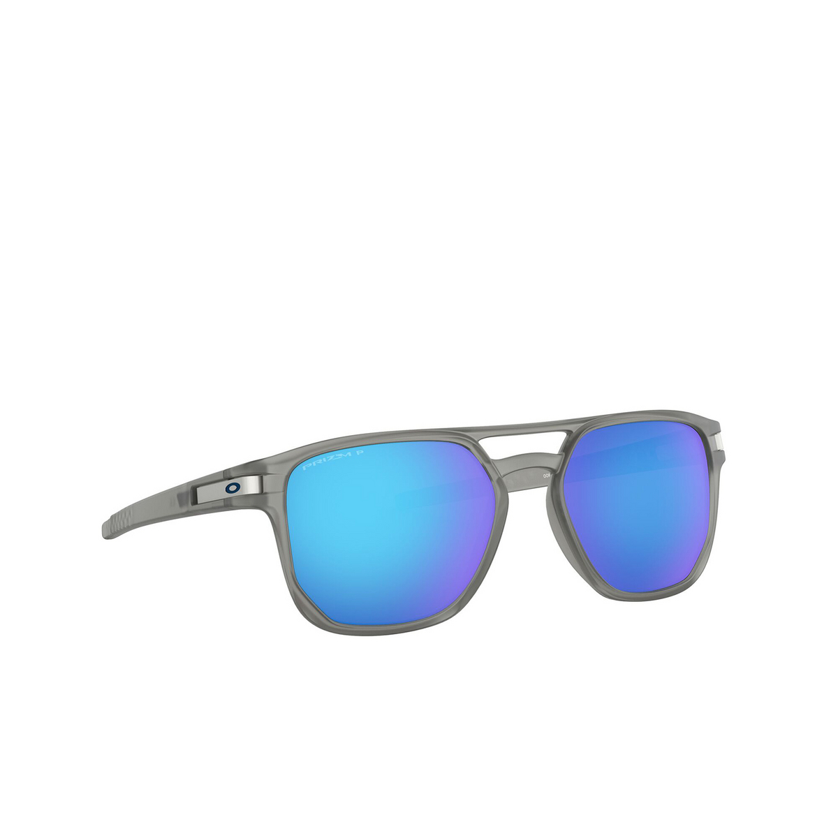 Oakley® Square Sunglasses: Latch Beta OO9436 color Matte Grey Ink 943606 - three-quarters view.